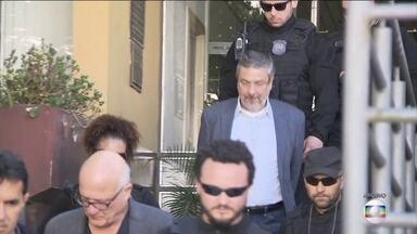 TRF4 suspende sigilo de documentos ligados à homologação do acordo de delação de Palocci - Num deles, a defesa do ex-ministro diz que Palocci tratou de temas inéditos, como delitos contra o sistema financeiro