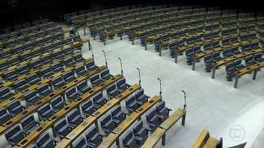 Câmara dos Deputados passa pela maior renovação dos últimos 20 anos - O PSL, do presidenciável Jair Bolsonaro, tinha oito deputados e subiu para 52, a segunda maior bancada depois do PT, com 56.
