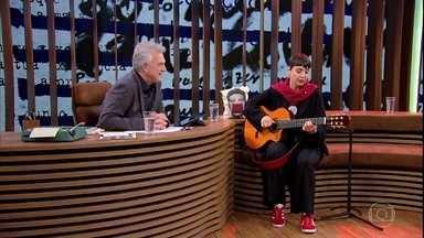 """Adriana Calcanhotto canta """"Gato Pensa?"""" - Cantora musicou um poema de Ferreira Gullar"""