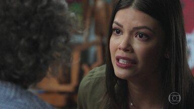 Cris conta para Margot o que aconteceu na casa de Julia - Ela explica que Ana e Piedade são a mesma pessoa e pede ajuda pra entender o que está acontecendo