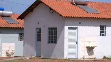 Encerra prazo para moradores desocuparem casas no Residencial Salvação - Encerrou ontem o prazo para que as famílias que estavam de forma irregular, pudessem sair das unidades habitacionais.