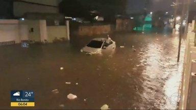 Temporal causa estragos em ruas do Rio nesta quarta (10) - Previsão de chuva para todo o estado do Rio nesta quinta-feira (11)