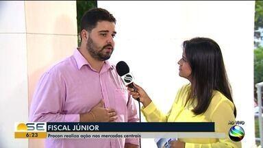 Procon Estadual realiza ação nos mercados centrais de Aracaju - A repórter Janaína Rezende tem mais informações.