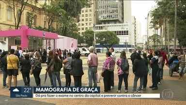 Mulheres fazem mamografia de graça no centro de São Paulo - A campanha é um alerta para o diagnóstico precoce e a prevenção do câncer de mama