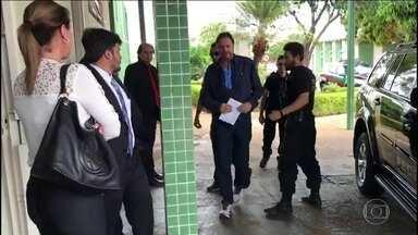 Senador Acir Gurgacz, do PDT de RO, está preso na Penitenciária da Papuda - Senador foi transferido do Paraná para Brasília.