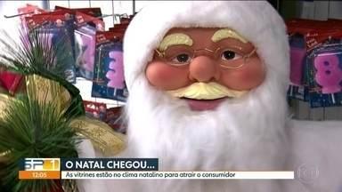 Comerciantes da 25 de Março já entram no clima de natal - Diversas lojas já vendem produtos natalinos, 60 dias antes da grande festa.
