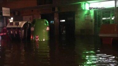 Tempestade de granizo provoca inundações na Itália - A água chegou a um metro de altura e invadiu prédios históricos, seis estações de metrô tiveram que ser fechadas. As ruas de Roma viraram rios com blocos de gelo.