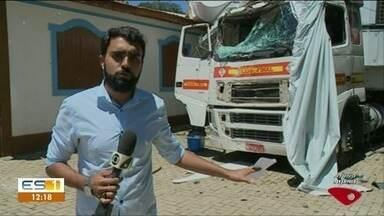 Carreta é roubada e criminoso morre após bater o veículo - A polícia perseguiu o criminoso.