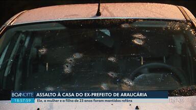 Bandidos invadem casa e fazem ex-prefeito de Araucária e família reféns - Eles só foram liberados depois da chegada da polícia. Houve troca de tiros e perseguição.