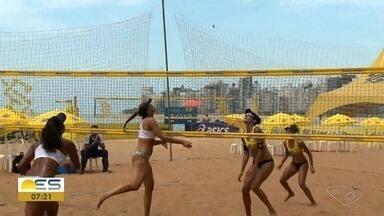 Circuito Brasileiro de Vôlei de Praia acontece em Vila Velha - Partida entre duplas femininas já começaram.