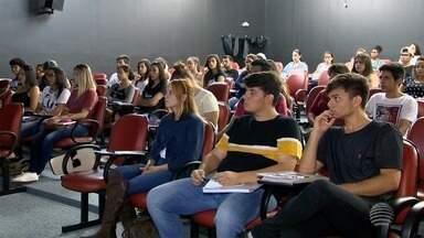 Alunos de Prudente e região se preparam para o Enem - Exame será aplicado nos dias 4 e 11 de novembro.