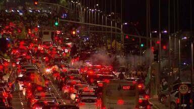 Comemoração pela vitória de Bolsonaro na Esplanada - PM calcula que 15 mil pessoas foram à Esplanada dos Ministérios para comemorar a vitória de Jair Bolsonaro na eleição para presidente.