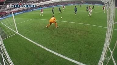 Frangaço marca partida do Campeonato Holandes - Ajax venceu o Feyenoord por 3 a 0.