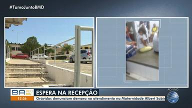 Grávidas denunicam demora no atendimento em maternidade do bairro de Cajazeiras - Uma das pacientes aguardou mais de 40 minutos para ser atendida no centro médico.