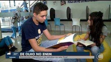 Estudantes intensificam estudos para o Enem - Estudantes intensificam estudos para o Enem