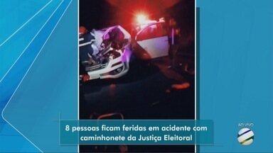 Oito pessoas ficam feridas em acidente com caminhonete da Justiça Eleitoral em Castanheira - Oito pessoas ficam feridas em acidente com caminhonete da Justiça Eleitoral em Castanheira.