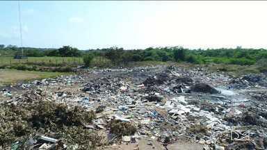 Lixão suja e contamina foz do Rio Bacanga em São Luís - O lixão também suja a paisagem no Centro Histórico da cidade.