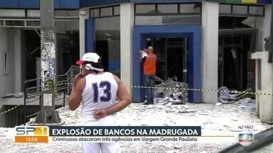 Criminosos explodem três agências bancárias em Vargem Grande Paulista - Os criminosos explodiram agências bancárias na Avenida Elias Alves da Costa, na pista local da Rodovia Raposo Tavares. E incendiaram três veículos no km 40 da rodovia e trocaram tiros com a polícia.