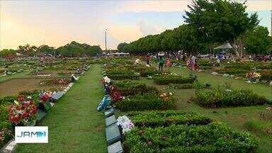 Cemitérios recebem pultimos reparos para Dia de Finados, em Manaus - Cemitérios da capital devem receber mais de 500 mil visitantes, segundo Semulsp.
