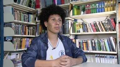 Jovem escritor de Praia Grande ganha viagem para Europa - Uma história de amor vai levar o escritor para Frankfurt, na Alemanha.