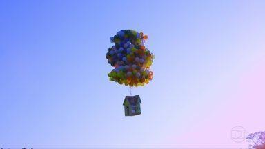 Luigi Cani prepara salto de uma casa flutuante - Inspirado no filme 'UP, altas aventuras', ele vai saltar de paraquedas numa estrutura carregada por quase mil balões