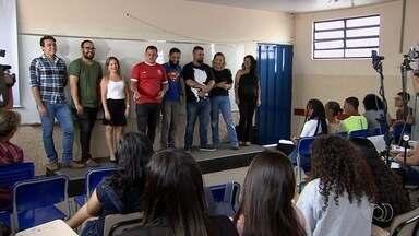 Alunos de escolas públicas participam em Aparecida de Goiânia de aulão para o Enem - Primeira parte das provas será neste domingo (4).