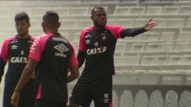 Paulo André é dúvida no Atlético-PR que terá trio de ataque poderoso contra o Fluminense - Paulo André é dúvida no Atlético-PR que terá trio de ataque poderoso contra o Fluminense