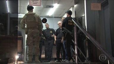 PF cumpre mandados de prisão contra deputados estaduais do Rio - A Força Tarefa do Rio de Janeiro cumpre 22 mandados de prisão; 10 contra deputados estaduais.