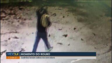 Ladrões roubam fios de cobre em lojas do Hauer - Os assaltos são frequentes. Nem as câmeras de segurança inibem a ação dos bandidos.