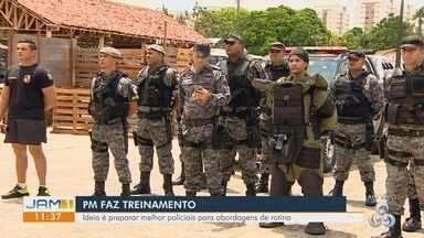 Policiais militares fazem treinamento para abordagens de rotina - curso preparatório faz reciclagem de PMs