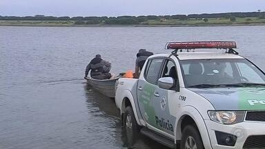 Pescadores de Botucatu aderem à reciclagem para sobreviver durante a piracema - Colônia de pescadores resolve recolher material reciclável dos rios como forma de sustento durante os quatro meses de restrição da pesca profissional. Confira o que pode e o que não pode neste período.