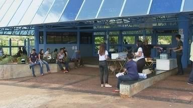 Estudantes fazem a segunda prova do Enem no noroeste paulista - Após o Enem deste domingo (12), estudantes se dedicam aos três principais vestibulares do país.