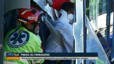 Motorista de ônibus que ficou duas horas preso às ferragens após acidente passa bem - Eldomar Barros dos Santos, de 34 anos, passou por duas cirurgias. Ele dirigia um caminhão que bateu na traseira de um caminhão-tanque, na BR-277, em Cascavel.