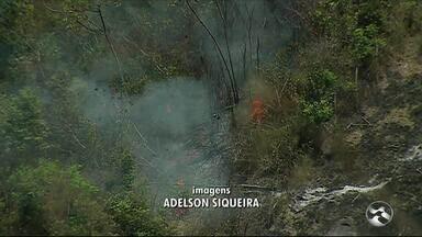 Incêndio é registrado próximo da Reserva Ecológica de Serra dos Cavalos, em Caruaru - Foram queimados aproximadamente 7 hectares, sendo um de mata nativa.