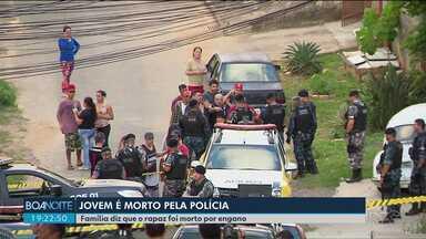 Policiais envolvidos na morte de jovem no Pilarzinho foram afastados - A polícia diz que o jovem reagiu a uma abordagem. A família diz que o jovem não era criminoso.