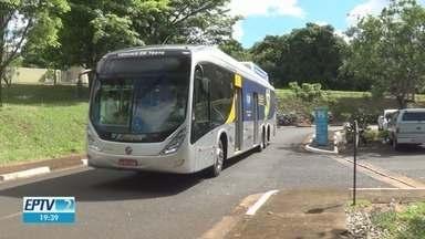 Sabesp testa biometano como combustível para ônibus urbano em Franca, SP - Desde abril, viaturas da empresa já estão sendo abastecidos com biogás feito com resíduos do tratamento de esgoto.