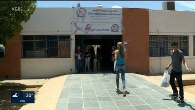 Candidatos chegam cedo para 2º dia de prova do Enem em Petrolina - As provas aconteceram em todo Brasil