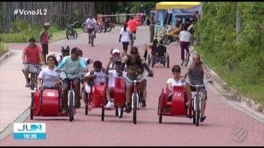 Ação incentiva passeio de bicicleta em parque de Belém para deficientes físicos - O passeio pode fazer bem para qualquer um.