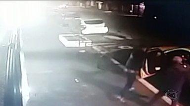 Médico morto em SP foi confundido com policial - Roberto Kikawa morreu baleado dentro do carro.