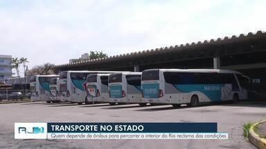 Passageiros de ônibus que percorrem o interior do Rio reclamam das condições dos veículos - Assista a seguir.