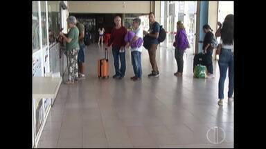 Movimento na rodoviária de Montes Claros é intenso no feriado - Muitas pessoas aproveitaram o feriado para viajar.
