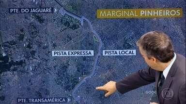 Trânsito continua carregado na Marginal Pinheiros; veja rotas alternativas - Pista expressa, no sentido Castello Branco, está interditada entre as pontes Transamérica e do Jaguaré, por causa do acidente com o viaduto.