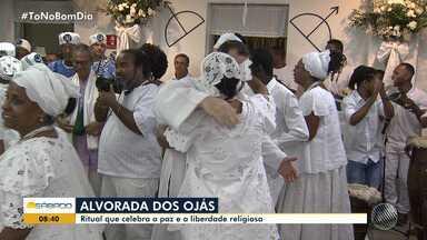 Terreiro do Gantois comemora noite da 'Alvorada dos Ojás' em Salvador - O evento celebra as religiões de matriz africana e pede respeito a tolerância.