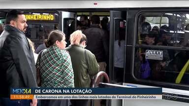 Lotação na linha do Pinheirinho - Embarcamos em uma das linhas mais lotadas do Terminal do Pinheirinho. E convidados o presidente da URBS pra ir com a gente.
