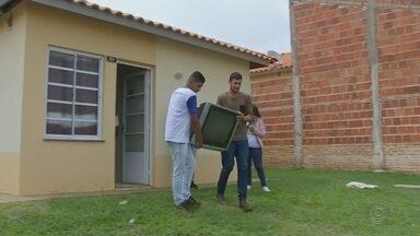 Campanha arrecada TVs antigas para serem doadas a famílias carentes - Na reta final para o desligamento do sinal analógico de TV, previsto para o próximo dia 28 em todo o estado de São Paulo, uma campanha em Lins está arrecadando televisores antigos para serem doados a famílias carentes.