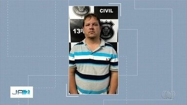 Homem é preso suspeito de se passar por filho de deputado federal para aplicar golpes - Ele cobrava dinheiro prometendo, por exemplo, retirar pontuação de multas de trânsito.