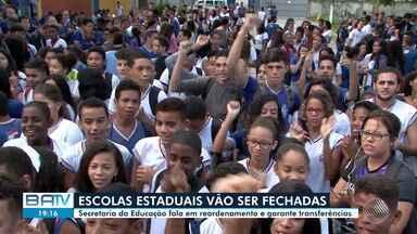 Fechamento de escolas estaduais gera protestos na capital e no interior da Bahia - Cerca de 100 unidades escolares devem encerrar as atividades após um processo de reordenamento da Secretaria Estadual da Educação.