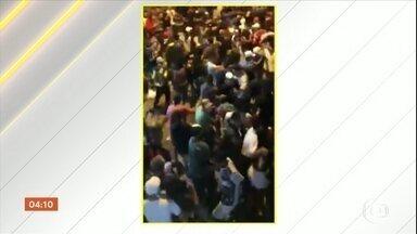 Baile funk onde três pessoas morreram em SP não tinha autorização para funcionar - No final de semana, três pessoas morreram em um baile funk em Guarulhos, São Paulo. Testemunhas disseram que a tragédia aconteceu após a chegada da Polícia.