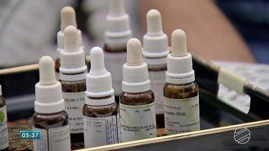 Especialista destaca as vantagens do tratamento homeopático - Nesta quarta-feira é comemorado o Dia Nacional da Homeopatia.