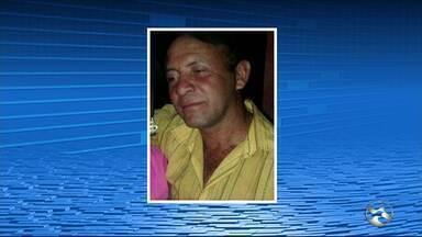 Garçom é morto a tiros em Santa Cruz do Capibaribe - Crime aconteceu na Rua Alberto Farias Leite, no Loteamento Vila do Amor.